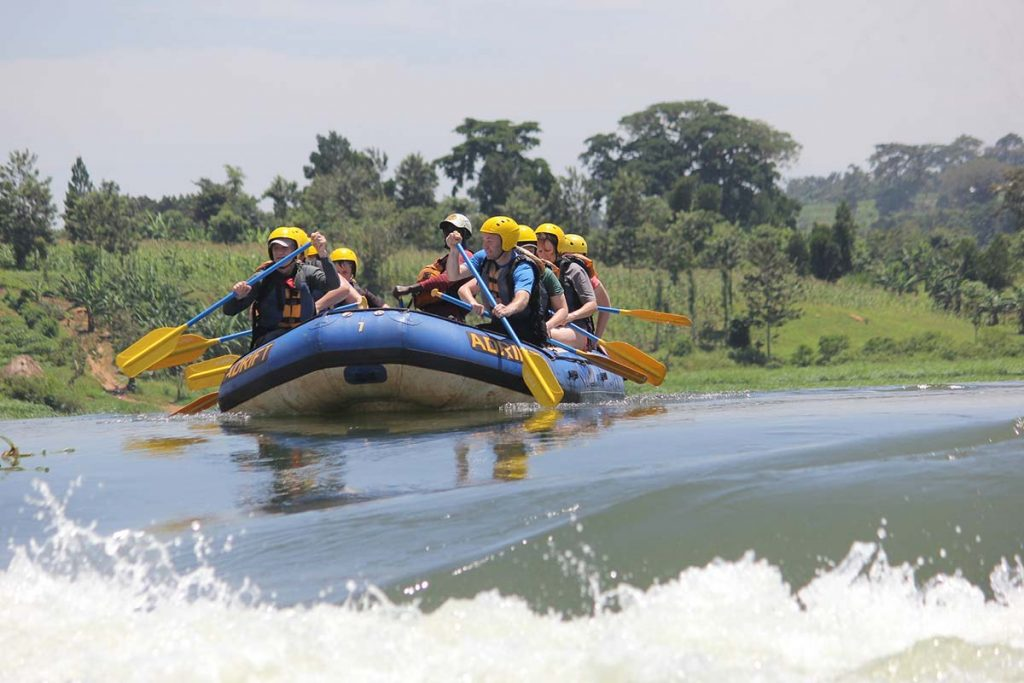 whitewater rafting Jinja on the nile rapids